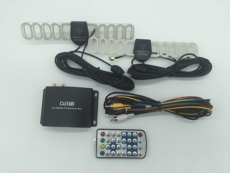 Автомобильный цифровой двухканальный DVB-T2 тюнер. В комплекте две антенны для улучшенного приема.